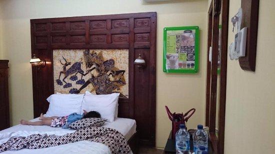 Hotel Rumput Resort & Resto: kamar yg cukup luas
