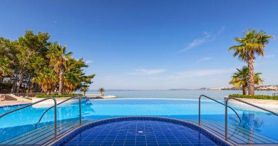 Podstrana, Croatia: Outdoor pool daytime