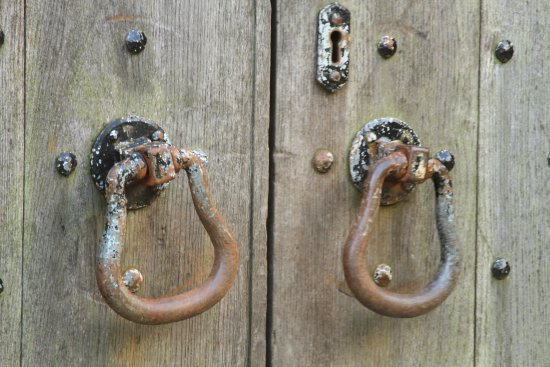Dollar, UK: Door handles