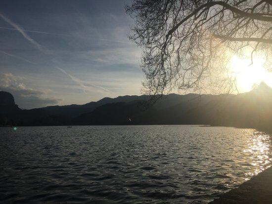 Vila Preseren: Lake views