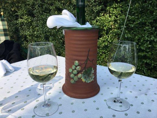 Restaurant Kirchenwirt Wachau: local wine