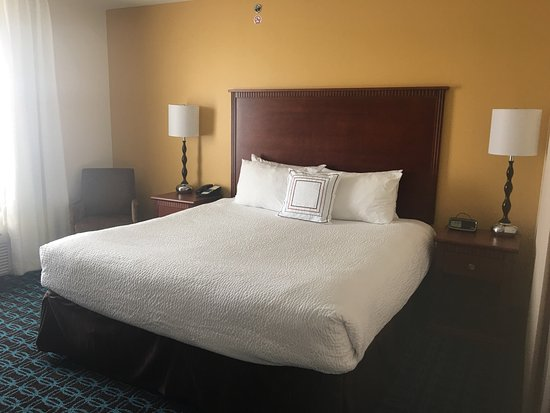 Fairfield Inn & Suites Boise Nampa : Nice size room