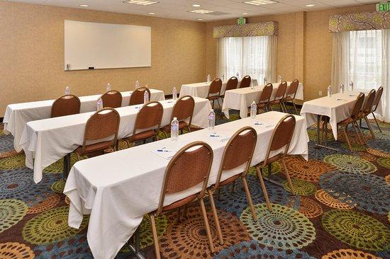 Holiday Inn Express Hotel & Suites San Diego Otay Mesa : Meeting room at Holiday Inn Express & Suites San Diego Otay Mesa