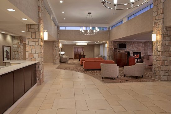 Jeffersonville, Индиана: Lobby with Front Desk