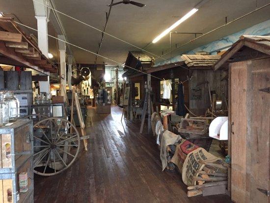 Lynden, WA: Pioneer Museum displays
