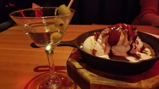 Bridgewater, NJ: Dry martini with top shelf vodka and cookie ice cream dessert.