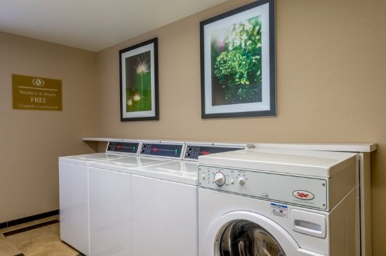 Del City, OK: Laundry Facility