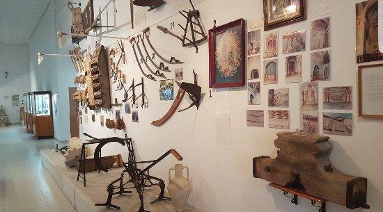 Museo Arqueológico - Etnológico Gratiniano Baches: 20171108_060513_large.jpg