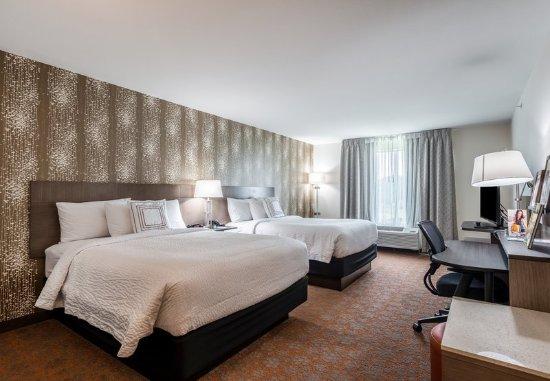 Stevensville, MI: Queen/Queen Guest Room