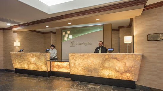 Lakewood, CO: Friendly Hotel Staff ready to welcome guests to Denver