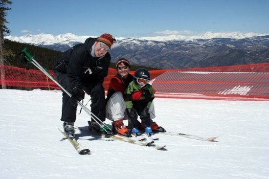 Lakewood, CO: Family Ski Package