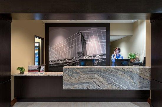 Front Desk Staybridge Suites Eau Claire-Altoona