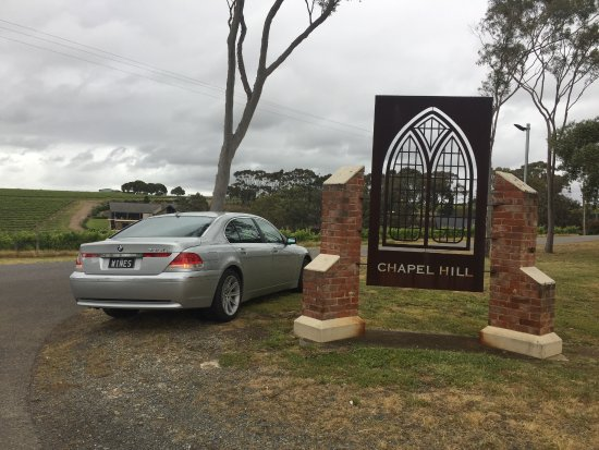 McLaren Vale, Australien: Wine Valley Tours V.I.P with the BMW 7 saloon