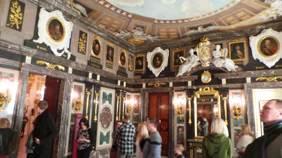 The Royal Castle in Warsaw - Museum : marble room