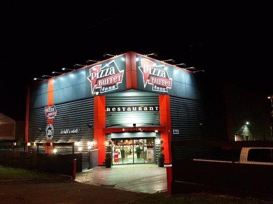 Вандувр-ле-Нанси, Франция: Pizza Buffet