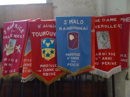Longny-au-Perche, Francia: Bannières de procession