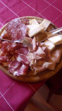Angolo Terme, Italië: aperti tutto il giorno ache per una merenda