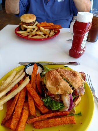 Galt, CA: Burgers and fries!