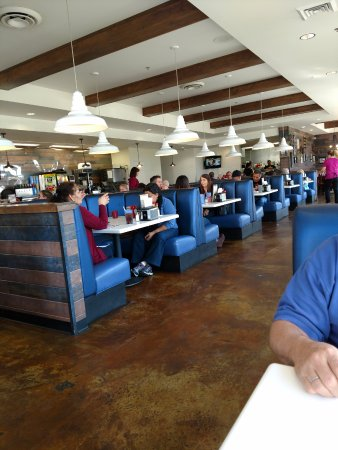 Galt, CA: Indoors at Velvet Grill and Creamery