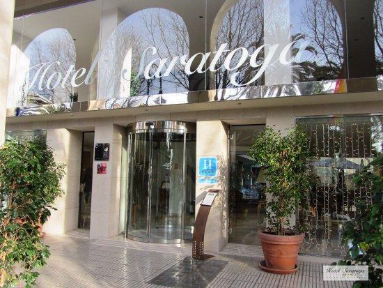 Entrada Hotel Saratoga