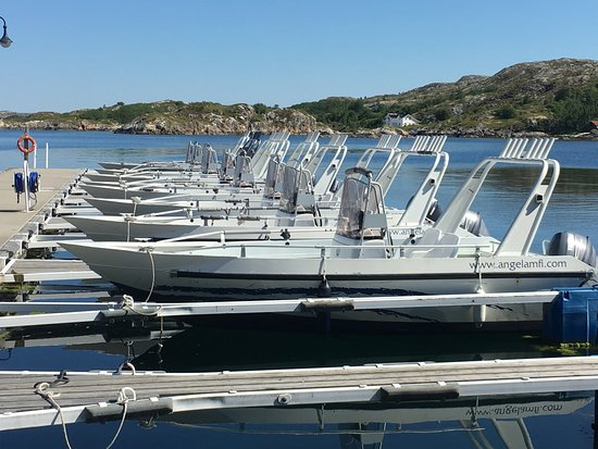 Angelamfi Hitra, Grefsnesvaagen: Båtutleie.  Båter fra 17 til 24 fot.
