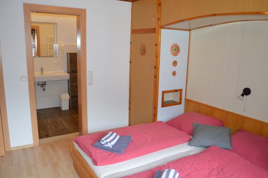Neues Badezimmer en-suite - 3-Zimmer Ferienwohnung - Bild von Casa ...