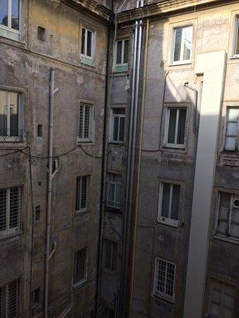 Hotel Morgana: Chambre trop petite pour deux personnes