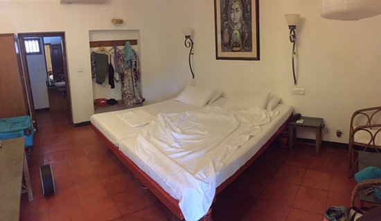 Fort House: simple yet characteristic room features. super comfy bed