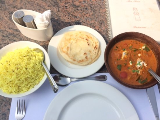Fort House: Paneer Masala with rice & paratha