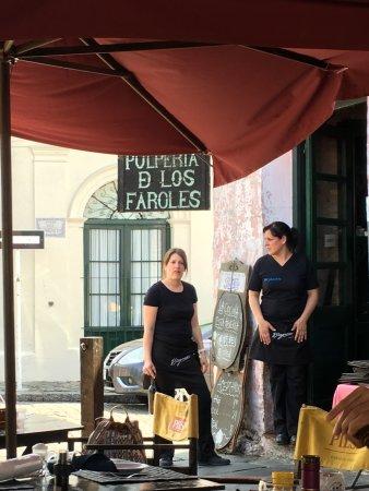 Pulperia de los Faroles: atendentes simpáticas