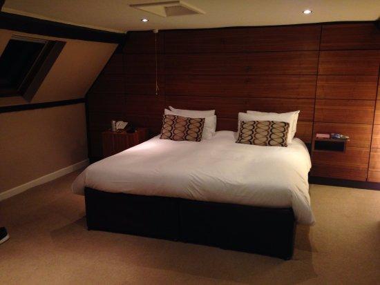 Llandovery, UK: Huge comfy bed