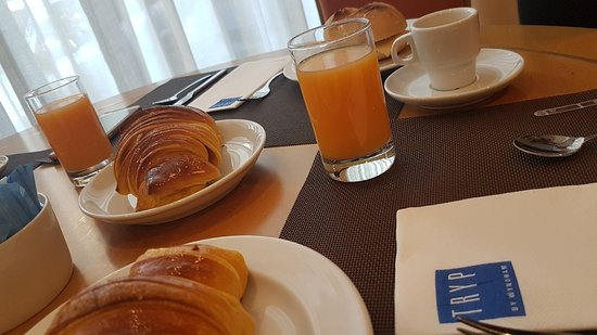 TRYP Porto Centro Hotel: 20171107_090430_large.jpg