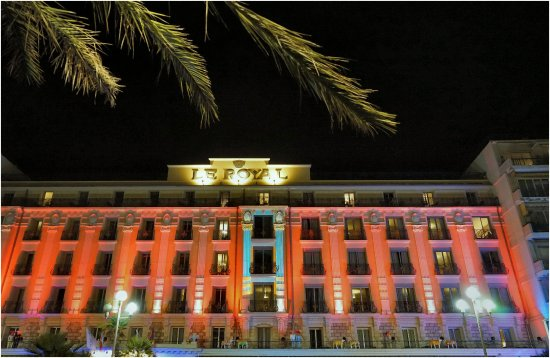 Hotel Le Royal: Le Royal illuminé
