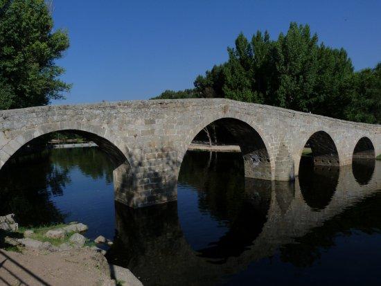 Navaluenga, Spain: старый мост