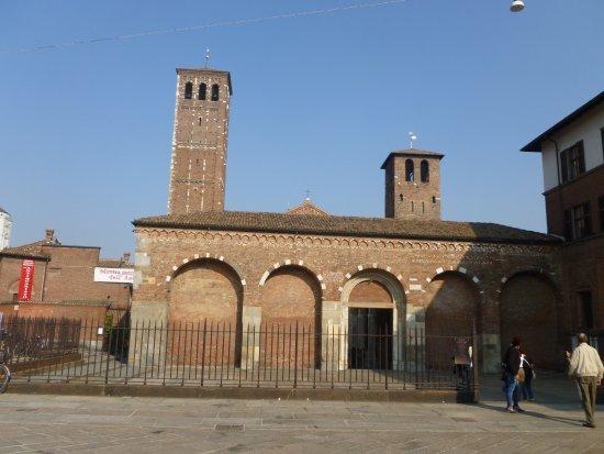 Basilica di Sant'Ambrogio: Vue d'extérieur