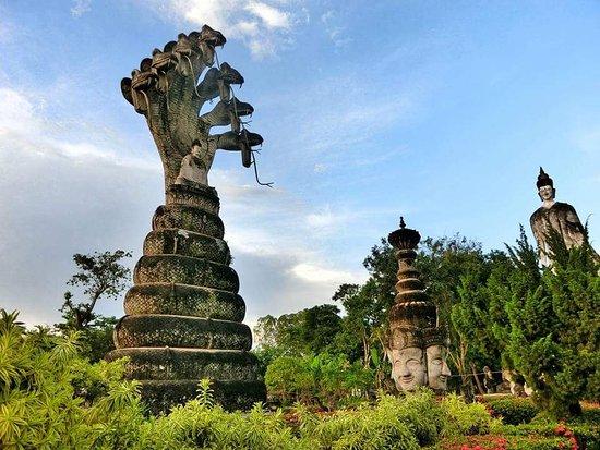 Sala Kaew Ku (Wat Khaek): FB_IMG_1510146044521_large.jpg