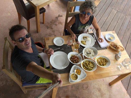 Anse Boudin, Îles Seychelles : Très bon accueil tardif. Nous étions deux   Vie parfaite. Les currys sont excellents. A recomman