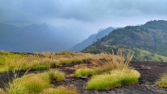 Idukki, Indien: Top from Meenuliyan