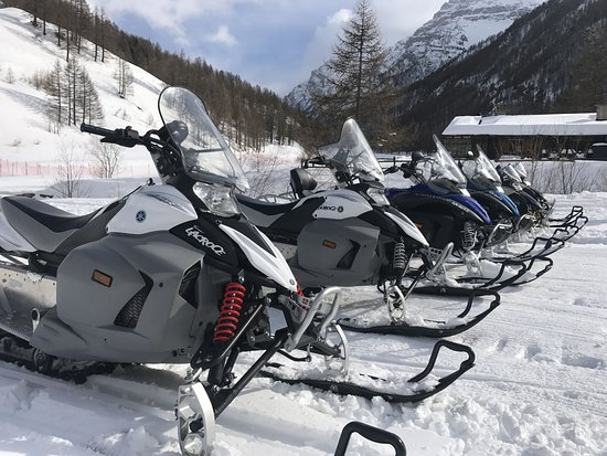 Pragelato, Italy: Le nostre Motoslitte Yamaha Phazer 500cc 4t 2016
