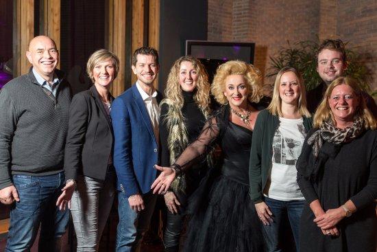 Vlaardingen, Belanda: Bekende artiesten passeren de revue!