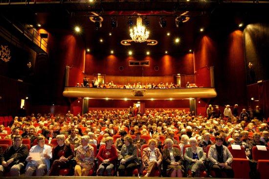 Vlaardingen, The Netherlands: Een mooie volle zaal tijdens Ellen ten Damme