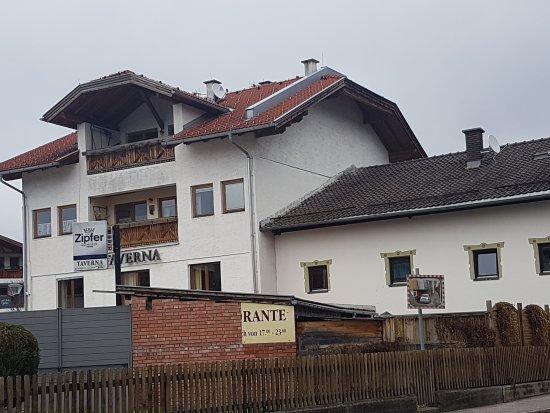 Absam, Austria: La Taverna
