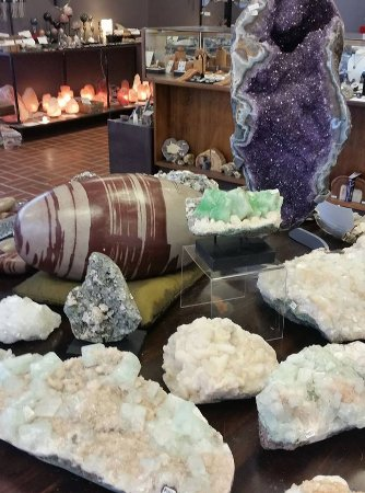 Paw Paw, MI: Rocks and minerals from all over the world...  Note the many varieties of salt lamps in the back