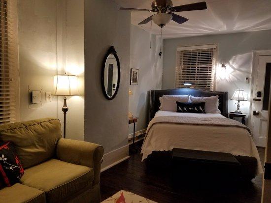 Cuthbert House Inn: Oak Room