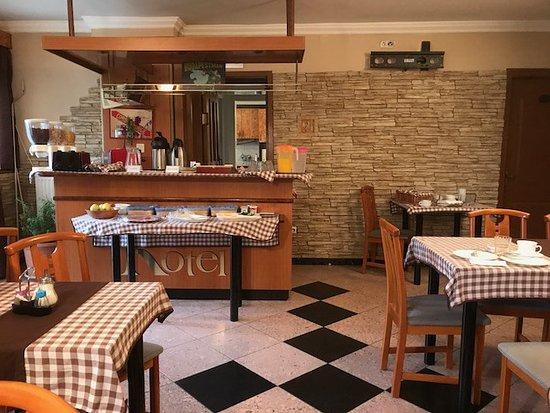 Villa Hotel Kristal: Dinning room