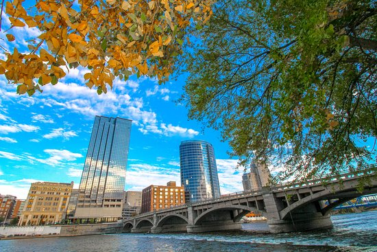 Fall in Downtown Grand Rapids