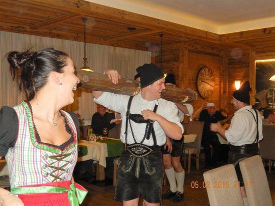 Dorfgastein, Austria: Heimatabend