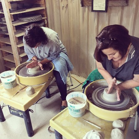 Comfort, Teksas: Pottery class, not giving up my day job but so much fun!
