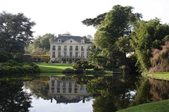 Chatenay-Malabry, Frankrike: Le Château et le Plan d' Eau