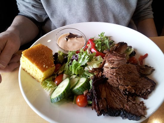 Big T's BBQ: Mixed Greens with Beef Brisket